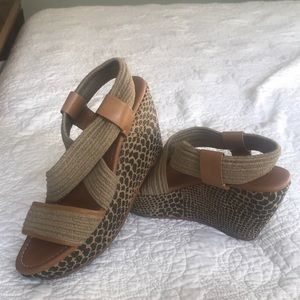 Lucky Brand Wedge size 8